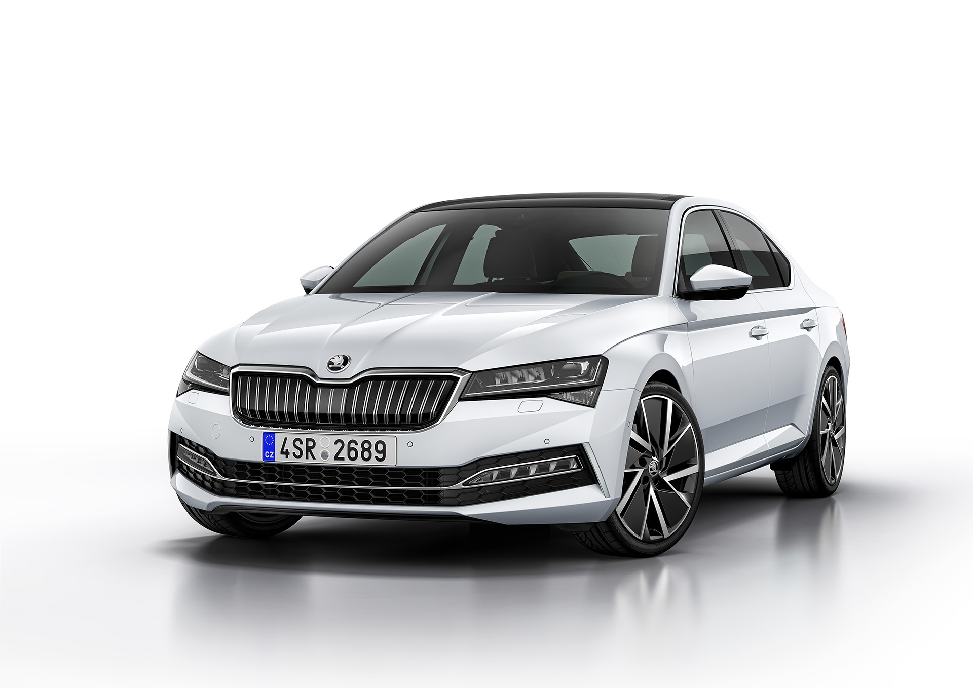 SKODA SUPERB iV2